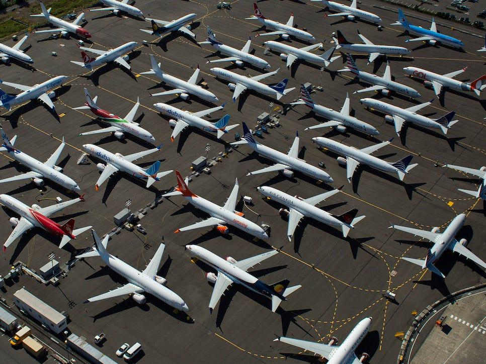 planesonground